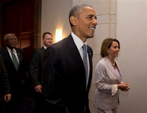 Barack Obama, Nancy Pelosi, James Clyburn_100187