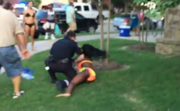 Texas pool party cop_96362