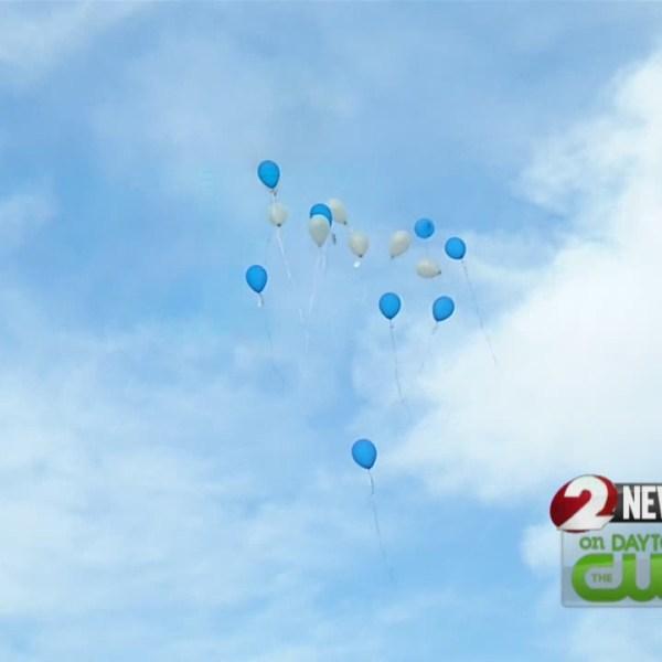 Balloons fill sky for Ahmad Doucet (WDTN Photo)_100630