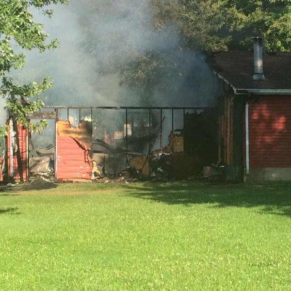 detached garage fire_173575