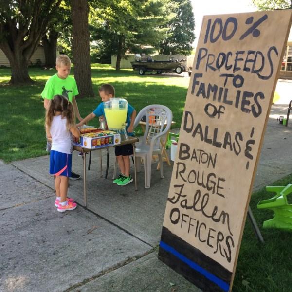 Lemonade Stand for Officers_173616