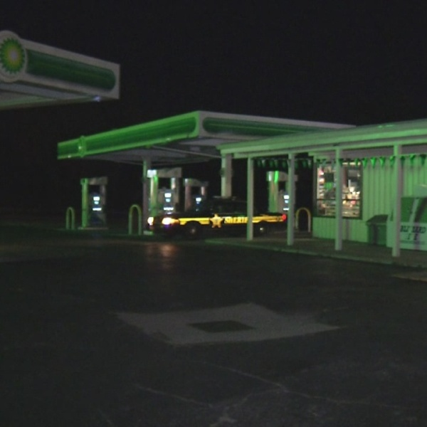 Clues from gas station armed robbery end up at crash scene_173264