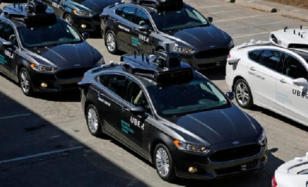 Uber Autonomus Cars_191342