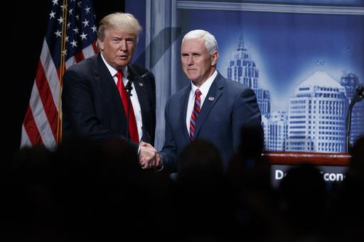 Donald Trump, Mike Pence_180456