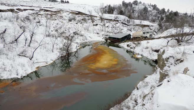 Oil Pipeline North Dakota Spill_211863