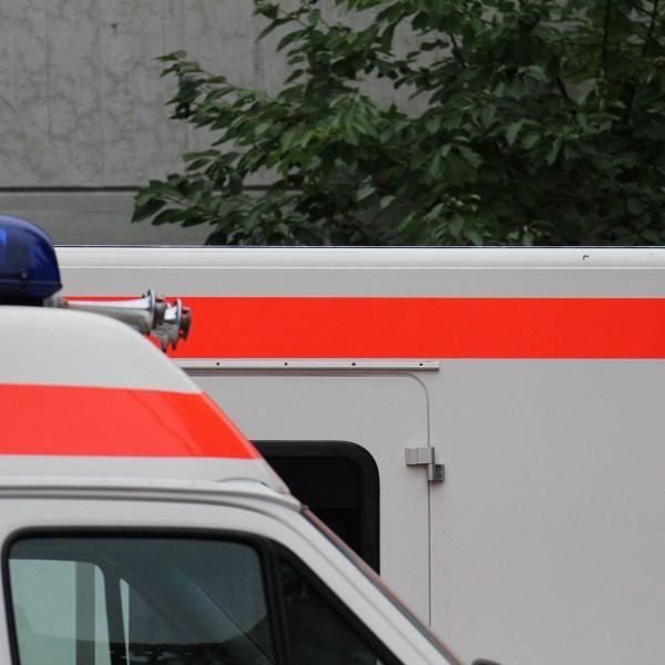 ambulance-974409_1920_198094