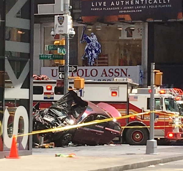 times square accident_245480