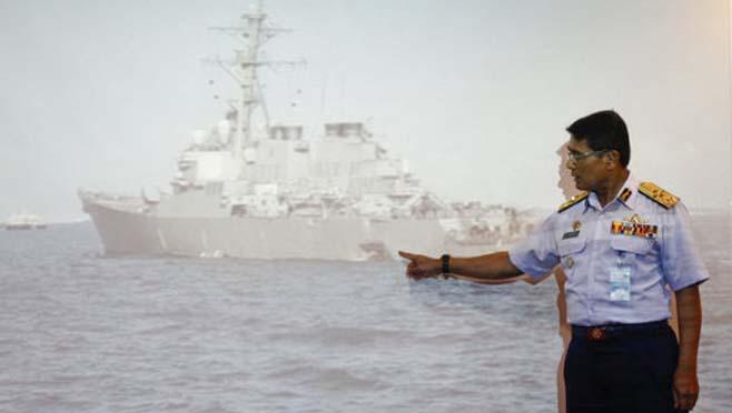 APTOPIX Malaysia Singapore US Navy Ship Collision_263662