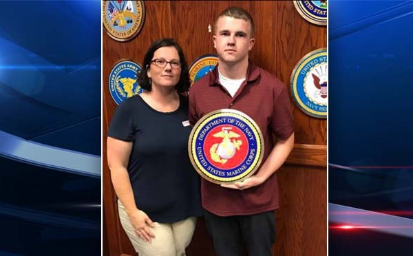 Tyler Jarrell and mom Amber Duffield_259462