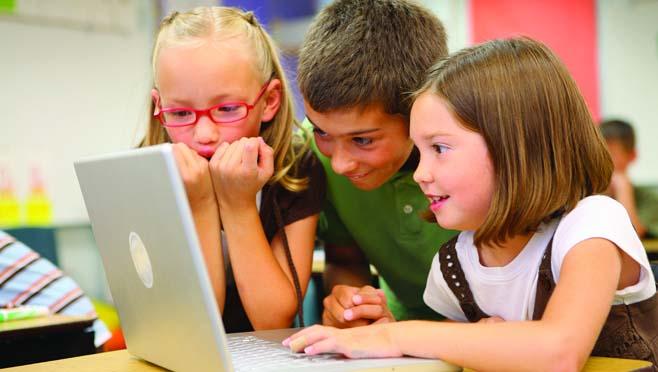 Children on computer_269102