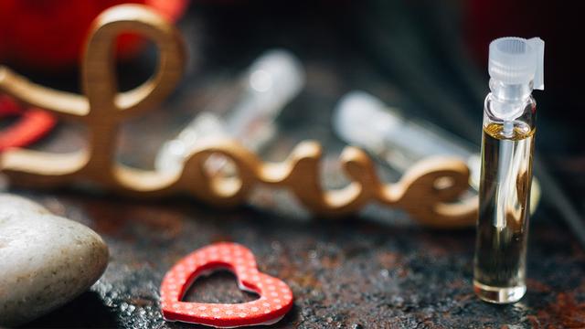 valentines-day-perfume-heart-love_1516311583260_334941_ver1-0_32059953_ver1-0_640_360_291103