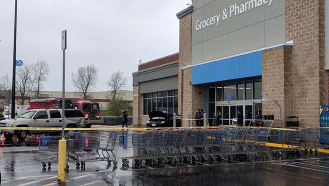 4-23 Car crashed near Walmart_1524503991874.jpg