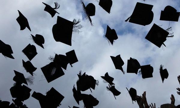 graduation2_1527594497514_43825363_ver1.0_640_360_1527596321507.jpg