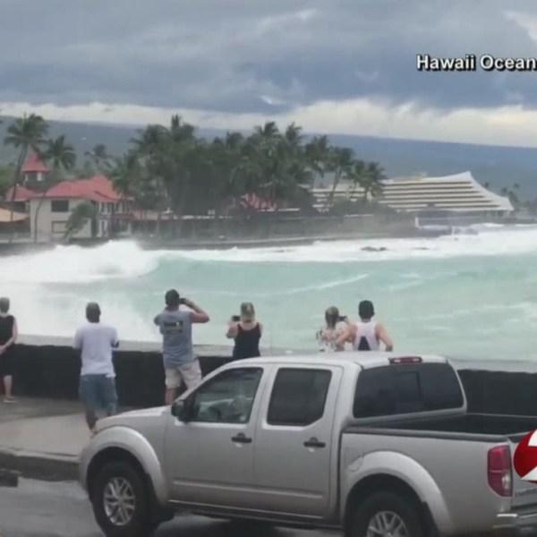 Hawaii bracing for Hurricane Lane_1535107571599.jpg.jpg
