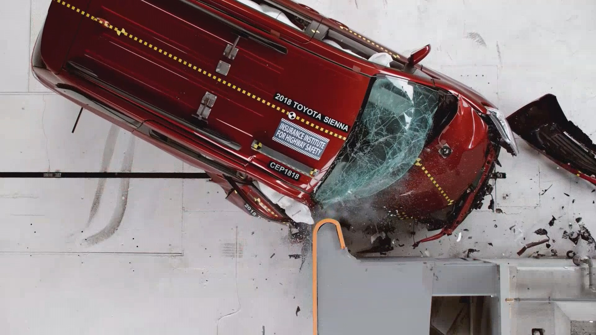 VAN CRASH TEST WEBSTILL_1534426253773.jpg.jpg