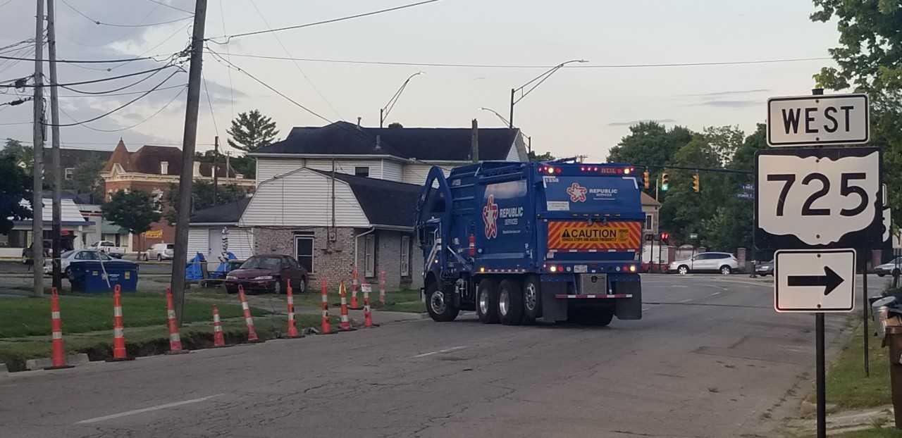 garbage_truck_1535542435560.jfif.jpg