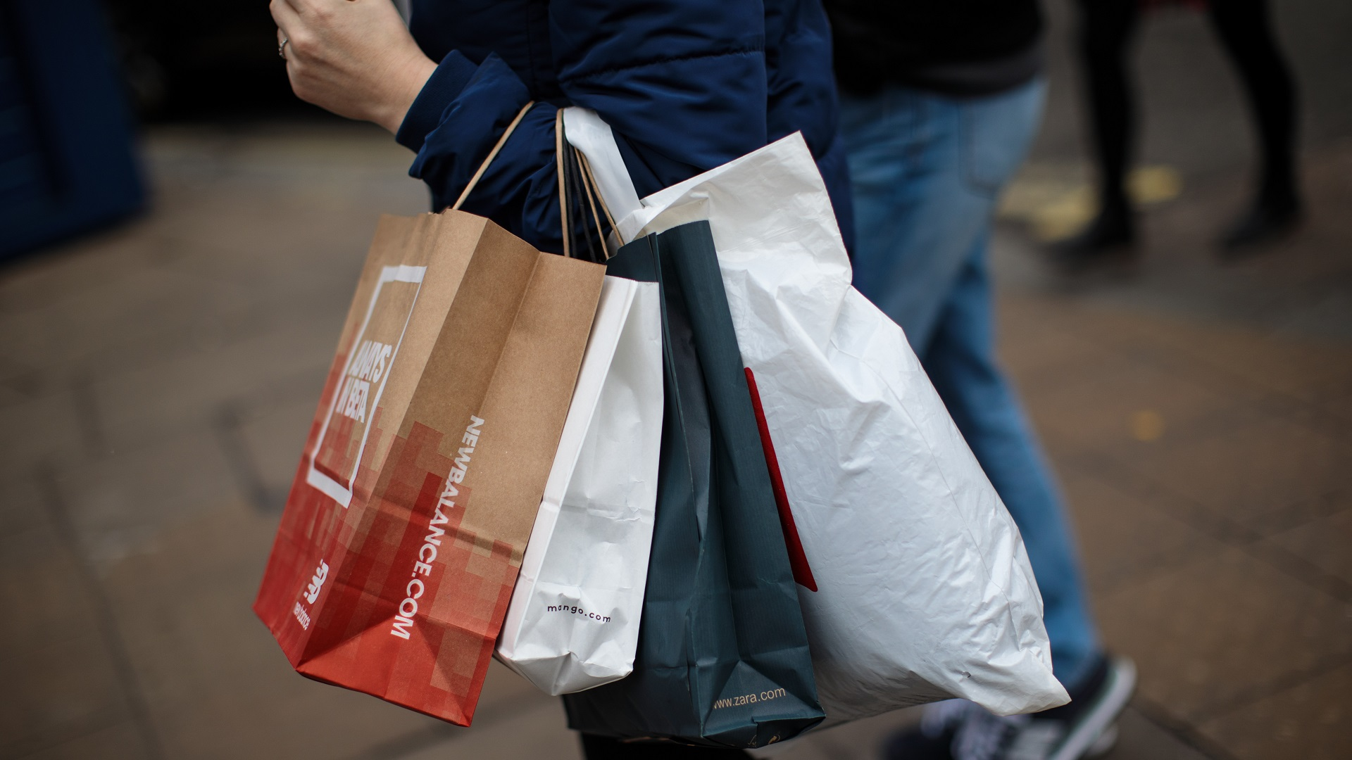 BLACK FRIDAY SHOPPING BAGS-846652698