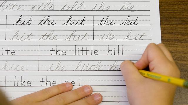 cursive-handwriting_37776377_ver1.0_640_360_1545311983542.jpg