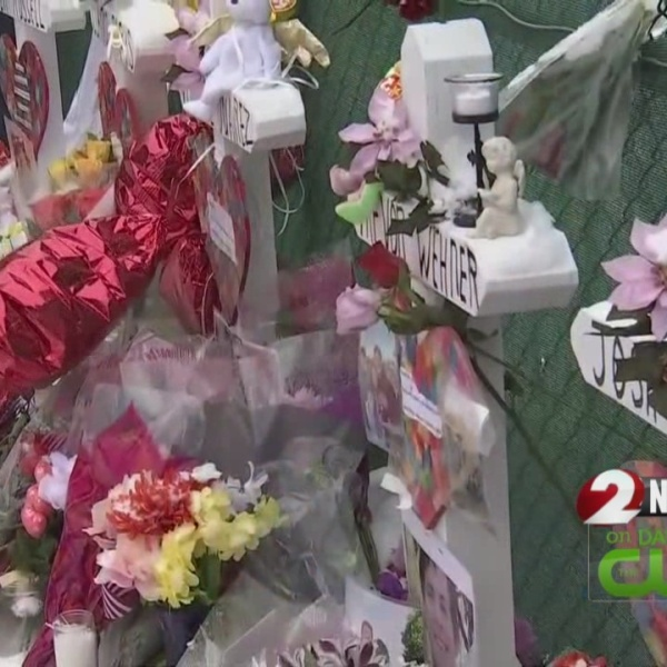 More than 1,500 attend vigil for Aurora shooting victims