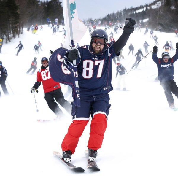 Patirot fans on slopes_1549211082844.jpeg.jpg