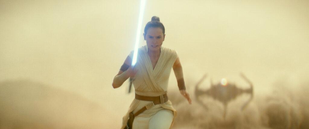 -Star Wars Celebration-Episode IX Panel_1555093478342