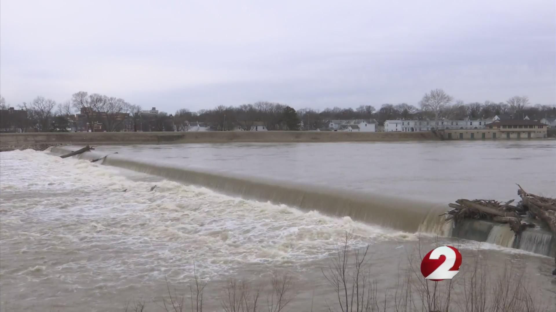 Assessing water main break continues as repairs begin