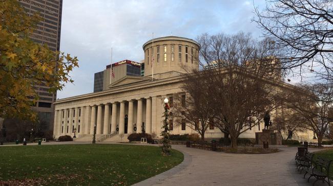 ohio-statehouse-christmas_281993