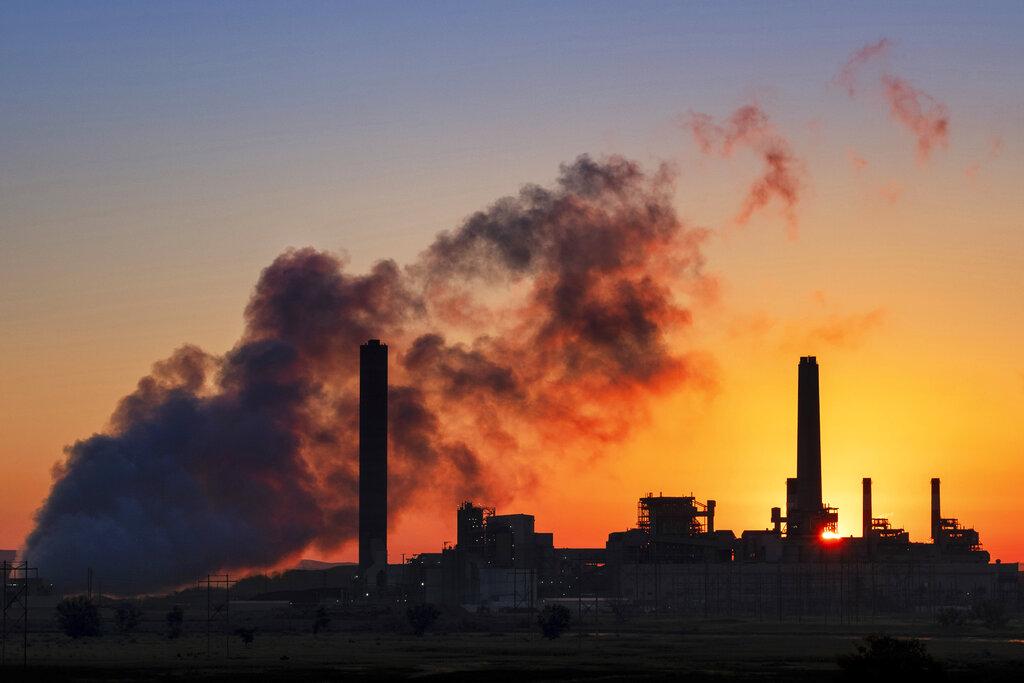Trump EPA rolls back Obama rule on coal-fired power plants