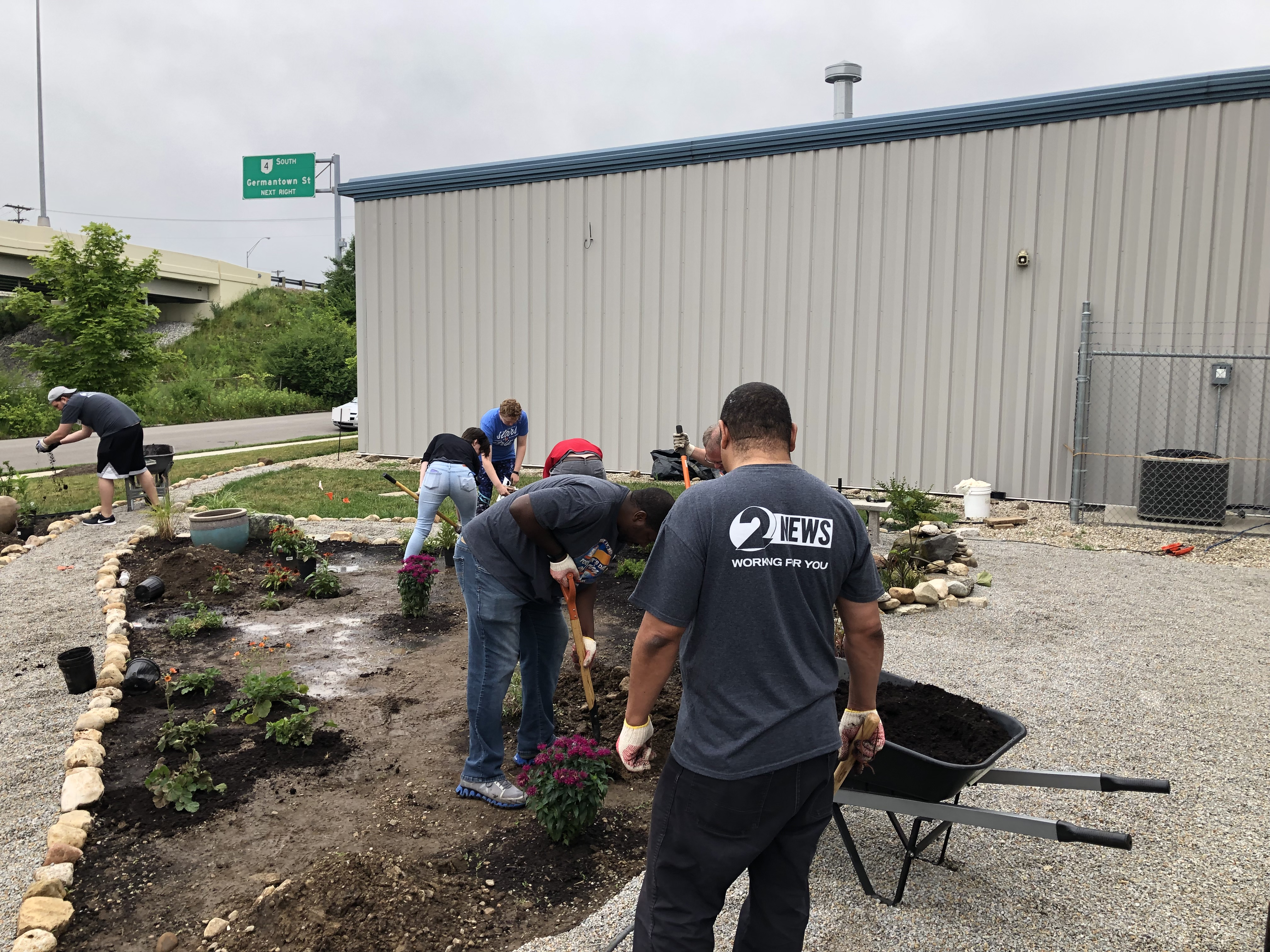 2 NEWS celebrates Day of Caring