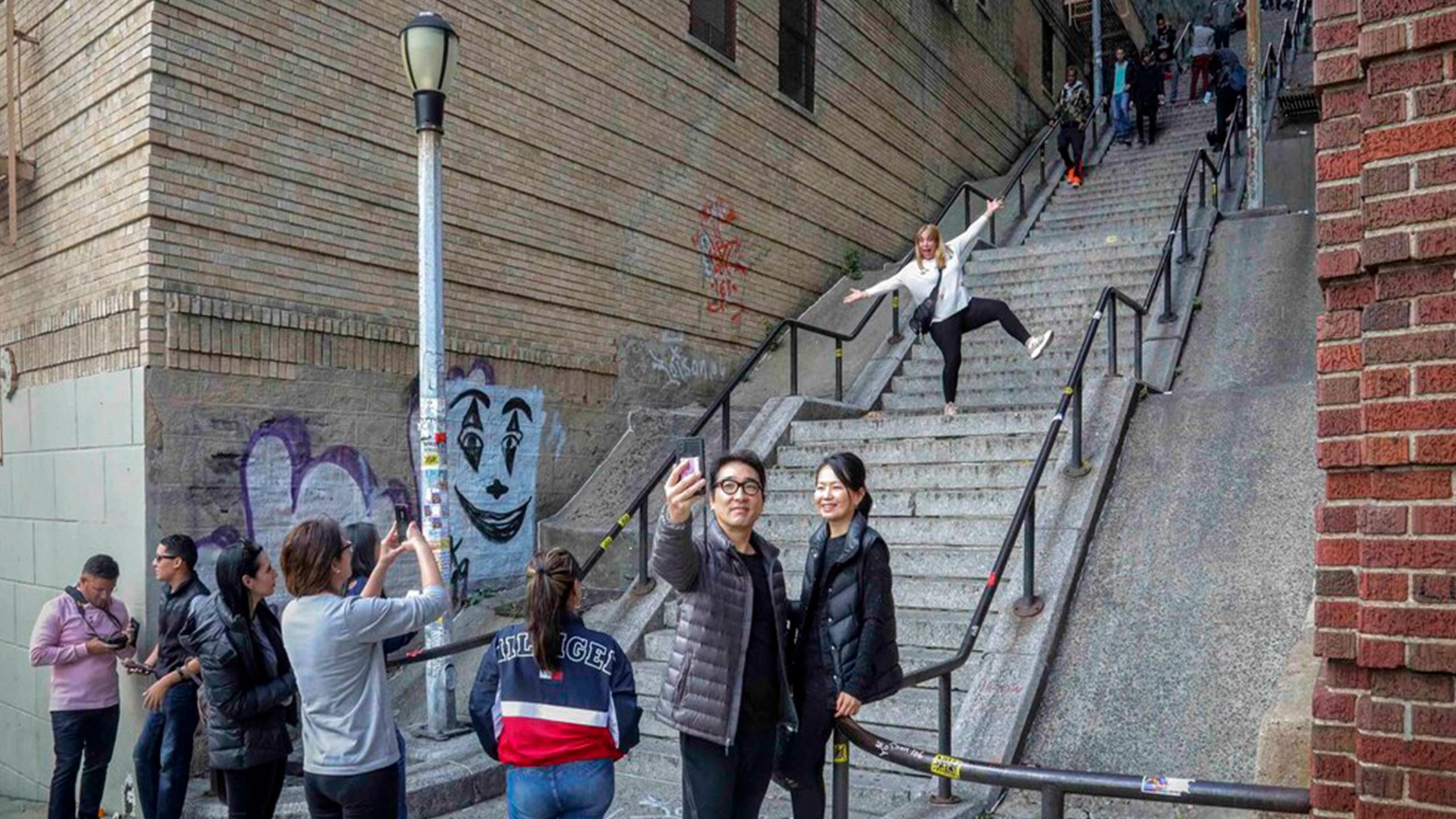 Joker staircase
