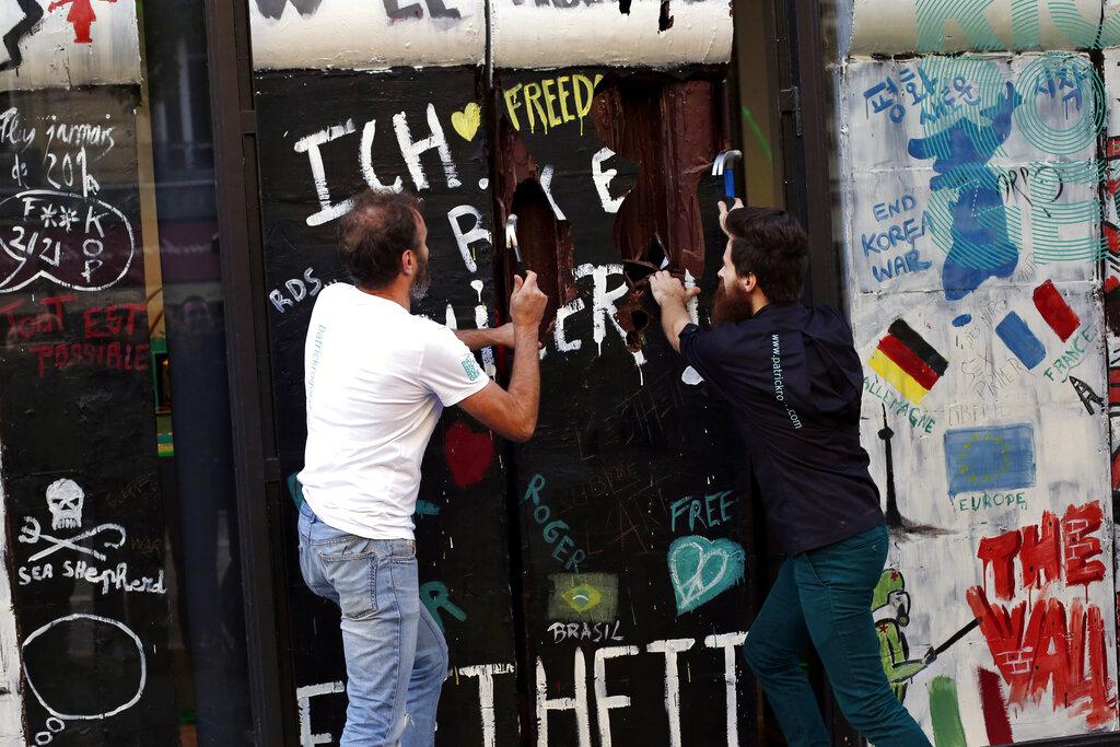 France Chocolate Berlin Wall