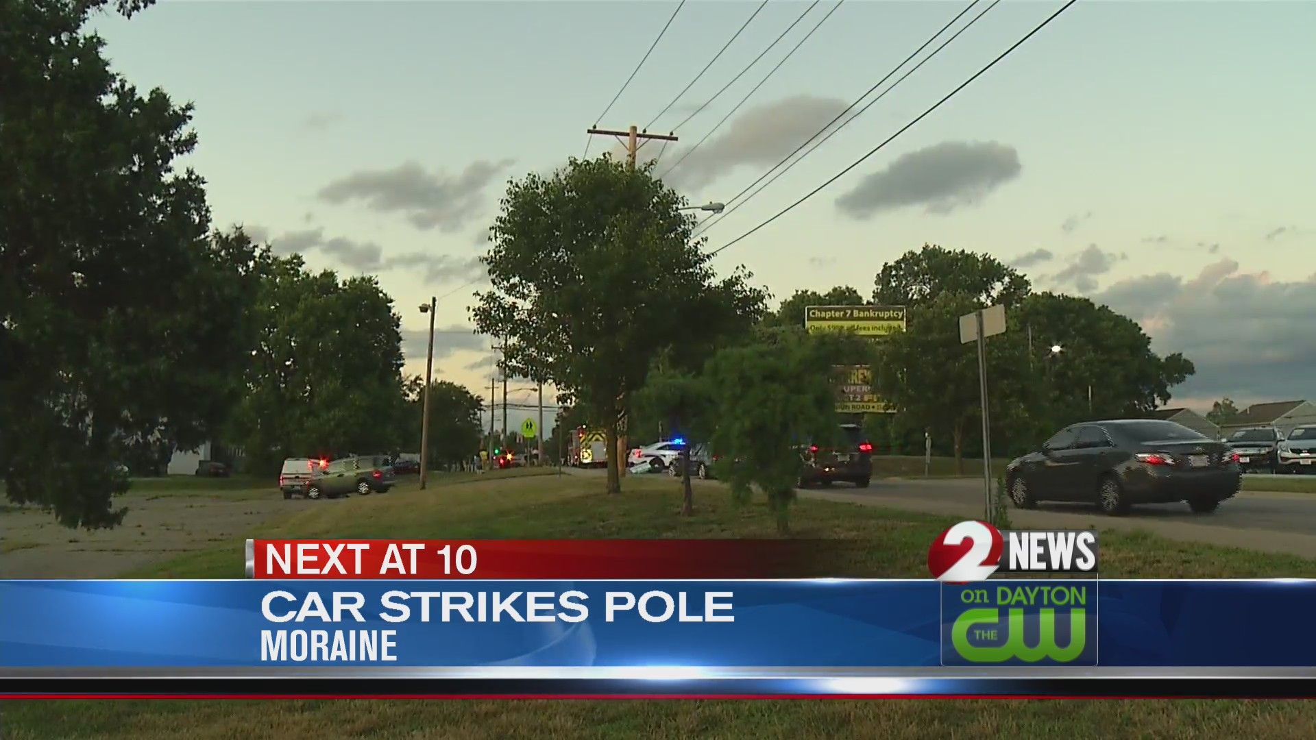 Car strikes pole in Moraine