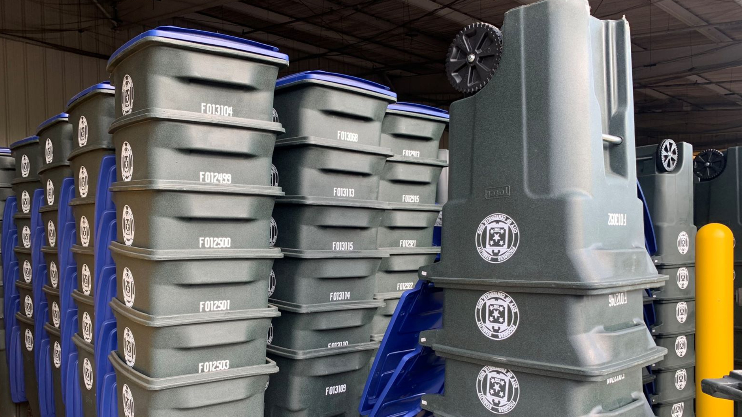Recycling containers Centerville
