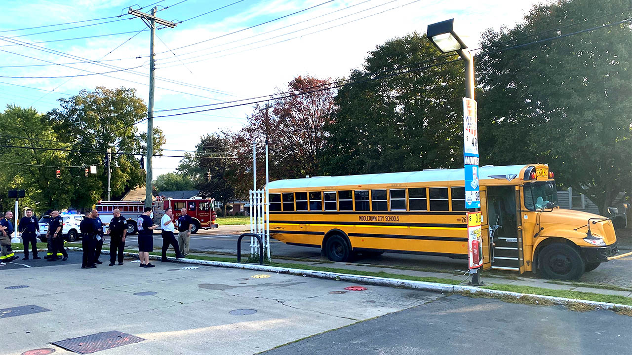 10-14-Middletown-School-Bus-Crash