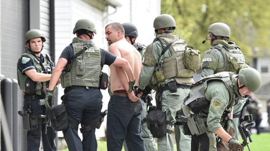 10-7-sidney-suspect-surrenders-3